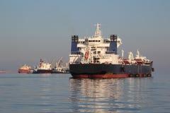 Tankowiec na wysokich morzach Obrazy Stock