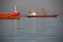 Tankowiec na wysokich morzach Fotografia Stock