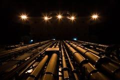 Tankowiec nadbudowa przy nocą i rurociąg Fotografia Royalty Free