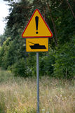 Tankwaarschuwingsbord Stock Afbeelding