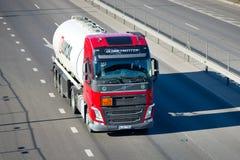 Tankwagen Volvos FH Lukoil Lizenzfreies Stockfoto