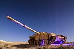 Tanque abandonado pintado luz fotografia de stock royalty free