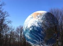 Tanque de água do globo da terra para a conservação Imagens de Stock Royalty Free