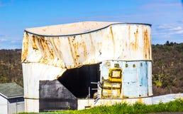 Tanque de água esmagado vintage com lado aberto Imagem de Stock Royalty Free