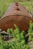 Tanque de óleo oxidado abandonado Foto de Stock Royalty Free