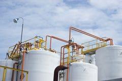 Tanque de armazenamento químico imagens de stock