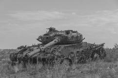 Tanque militar, artilharia, seguida, no campo Imagem de Stock