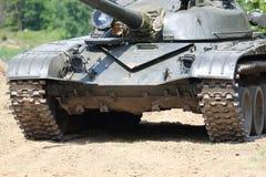 Tanque no campo de batalha Fotos de Stock