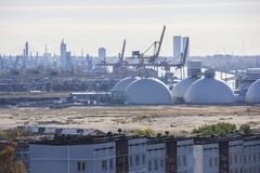 Tanques de óleo e terminal de recipientes em latvia Imagem de Stock Royalty Free