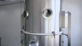 Tanques de alumínio para o armazenamento das matérias primas na indústria química, condições estéreis na empresa filme