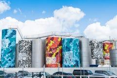 Tanques de armazenamento da arte da exploração agrícola de tanque de Auckland pintados Imagens de Stock Royalty Free