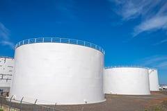 Tanques de armazenamento do gás em Reykjavik Foto de Stock