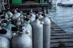 Tanques de oxigênio dois do mergulhador Foto de Stock