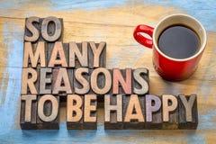 Tant de raisons d'être heureux dans le type en bois photographie stock libre de droits