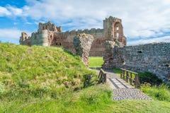 Tantallon slott, halv-fördärvad mitt--14th-århundrade fästning som lokaliseras 5 kilometer öst av norr Berwick, i östliga Lothian Arkivbilder