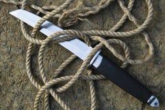 Tanto kniv med ett rep Royaltyfri Foto