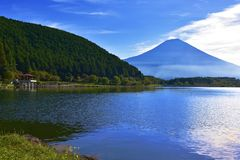 Tanuki湖 免版税库存照片