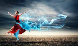 Tanz mit Leidenschaft lizenzfreie stockfotografie
