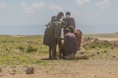 Tanzania - parque nacional de Serengeti de los inhabitents originales del Masai @ Fotos de archivo