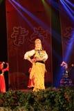 Tanzen in Bühnenshow in der Show des neuen Jahres lizenzfreies stockbild