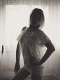 Tanzen in den Schatten Stockfoto