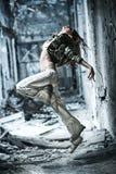 Tanzen der jungen Frau Stockfotos