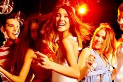 Tanzen an der Party lizenzfreie stockfotos