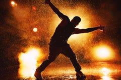 Tanzen des jungen Mannes Lizenzfreies Stockbild