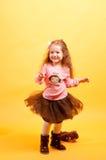 Tanzen des recht kleinen Mädchens Lizenzfreies Stockfoto