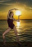 Tanzen mit Sonne Lizenzfreie Stockfotografie