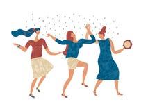 Tanzende Frauen begrüßen den Regen stockfotos