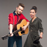 Tanzende Retro- junge Paare Lizenzfreie Stockfotos