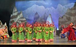 Tanzende Show der tibetanischen Leute Nacht, Jiuzhaigou Lizenzfreies Stockfoto