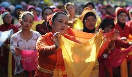 Tanzende traditionelle Tänze Lizenzfreie Stockfotos