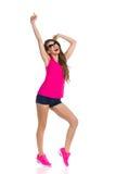 Tanzende und schreiende Frau Stockfoto