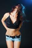 Tanzendes reizvolles Mädchen Lizenzfreies Stockbild