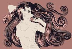 Tanzenfrau mit dem ausführlichen Haar Stockbild