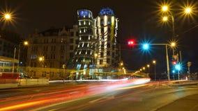 Tanzenhaus in Prag bis zum Nacht Stockbilder