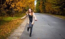Tanzenjugendlichmädchen Lizenzfreie Stockfotografie