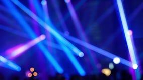Tanzenleute unscharf Video Laser-Show HD stock video