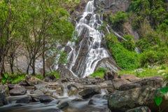 Tao Dam-waterval, de mooie waterval in diep bos bij het nationale park van Klong Wang Chao, Kamphaeng Phet, Thailand royalty-vrije stock foto's