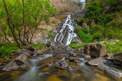 Tao Dam-waterval, de mooie waterval in diep bos bij het nationale park van Klong Wang Chao, Kamphaeng Phet, Thailand royalty-vrije stock foto