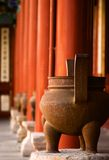 Taoist tempelurnen stock afbeeldingen