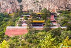 Taoisttempel i berget Hengshan (nordligt stort berg). Fotografering för Bildbyråer