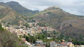 Taormina στη βουνοπλαγιά στοκ εικόνα με δικαίωμα ελεύθερης χρήσης