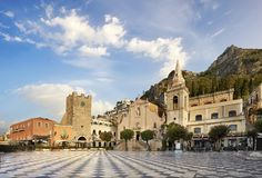 Taormina, στις 9 Απριλίου πλατειών στοκ φωτογραφία