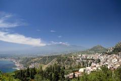 taormina панорамы etna mt Стоковое Изображение RF