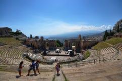 Taormina, Itália, Sicília O teatro grego imagens de stock royalty free