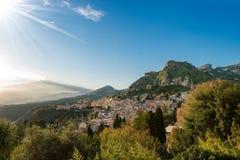 Taormina och montering Etna Volcano - Sicilien Italien Arkivbilder