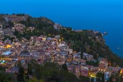 Taormina, Sizilien, an der Dämmerung Stockbild